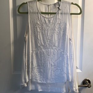 Anthropologie HD in Paris flowy eyelet top